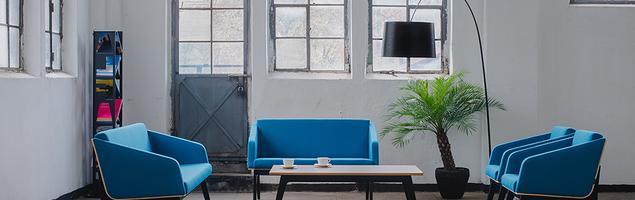 Nowe kolekcje Tomasza Augustyniaka dla Marbet Style. Sofy, fotele i stoliki do przestrzeni publicznych.