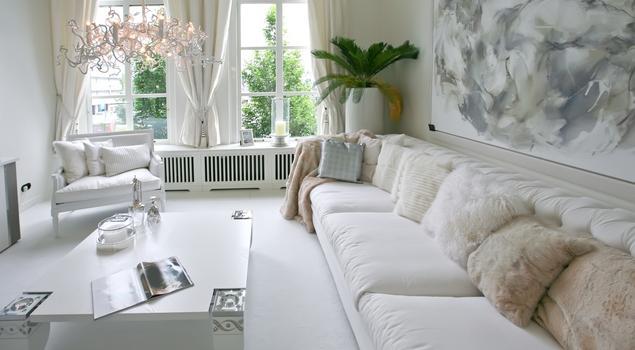 aran acja pokoju dziennego nowoczesny bia y salon. Black Bedroom Furniture Sets. Home Design Ideas